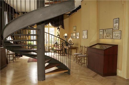 nicka marie mus e jules verne suite. Black Bedroom Furniture Sets. Home Design Ideas