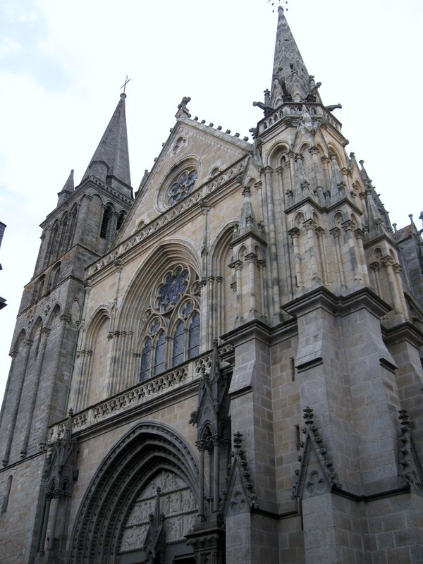 Basilique saint pierre de vannes for Exterieur basilique saint pierre