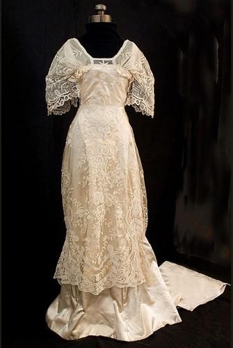 Connu des robes et mariees autrefois GT29