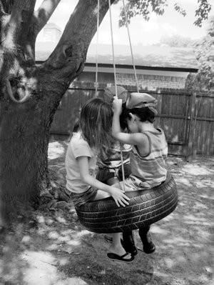 Enfant en noir et blanc - Photo noir et blanc enfant ...