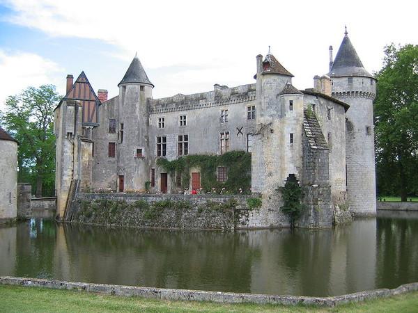 Le château de La Brède 8e4407df