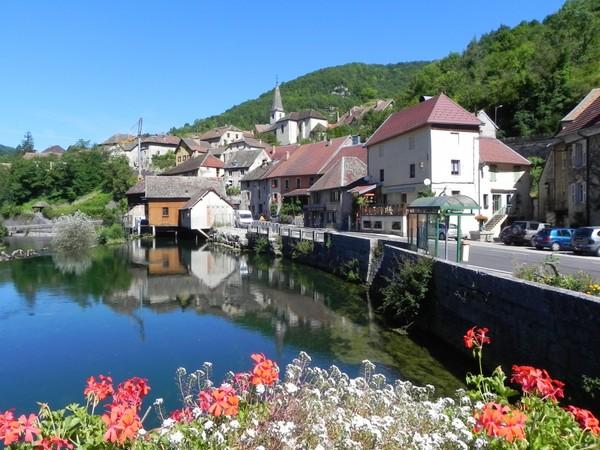 Beau village de Lods