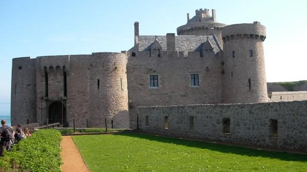 Chateau de Fort la latte C576aaf1