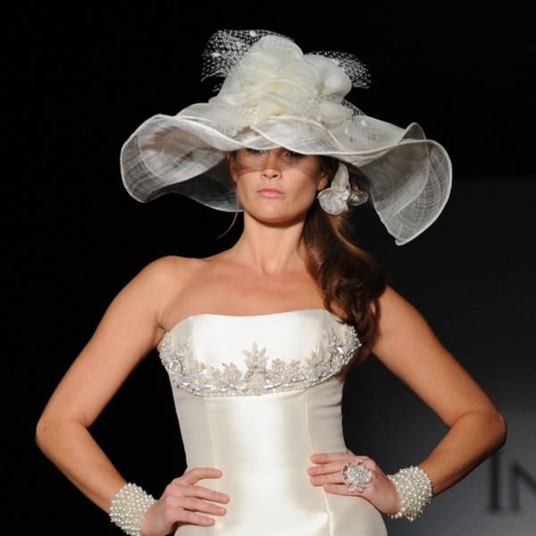 Coiffes et coiffures de mariees page 5 for Des chapeaux pour les mariages