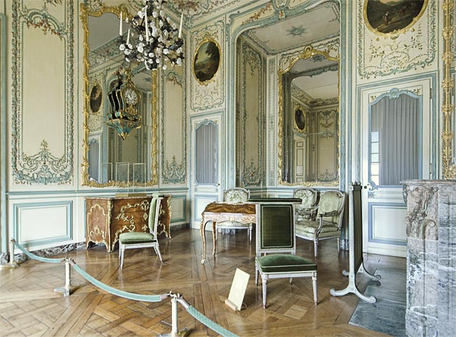 chateau de versailles. Black Bedroom Furniture Sets. Home Design Ideas