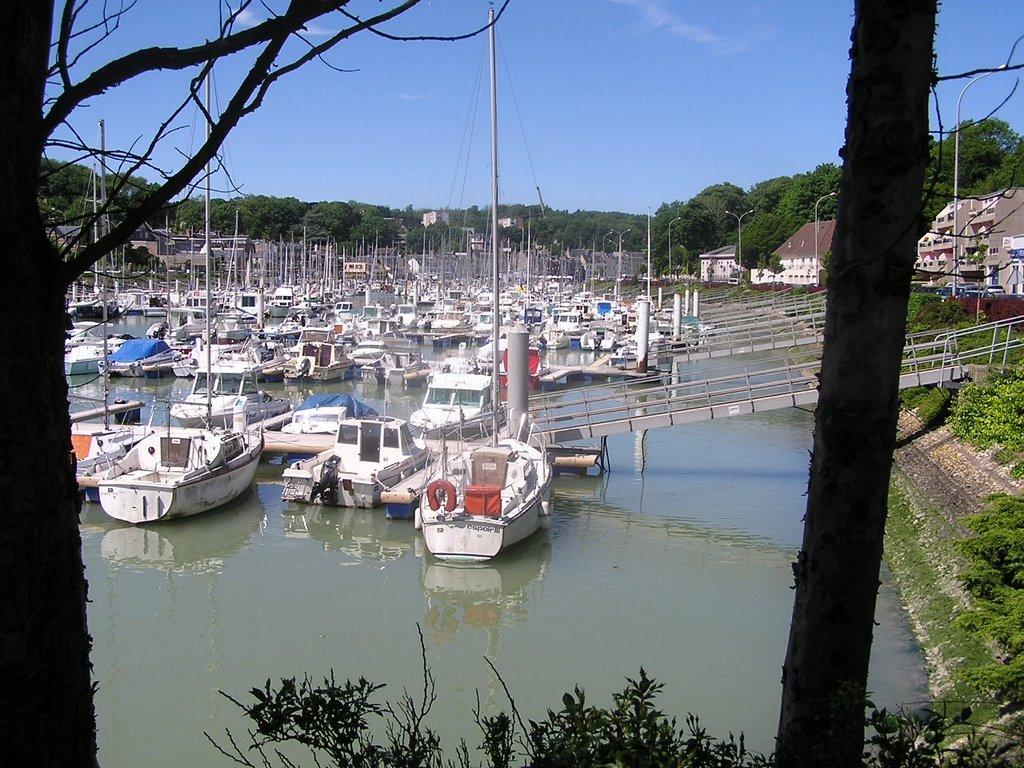 Plage de haute et basse normandie page 29 - Port de plaisance saint valery en caux ...