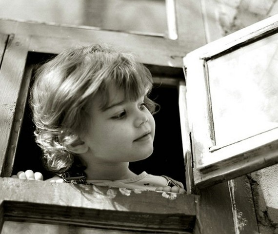Enfants en noir et blanc page 19 for Fenetre noir et blanc