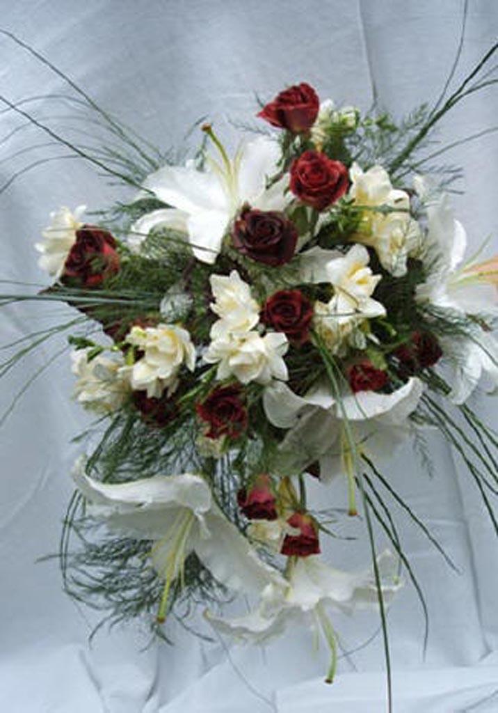 jolis bouquets de mariees page 34. Black Bedroom Furniture Sets. Home Design Ideas