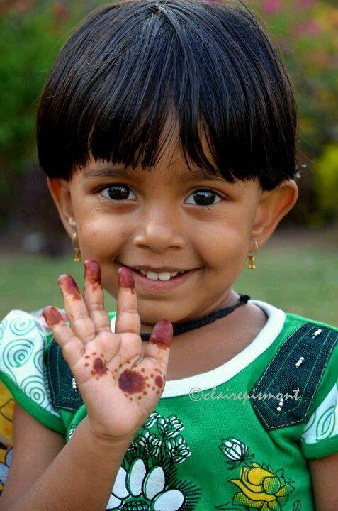 Exposition Enfants du Monde sur les grilles du Jardin du